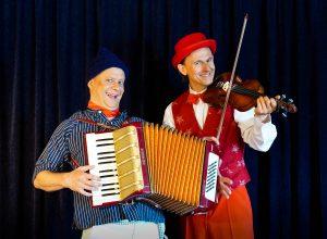 Dirk und Daniel mit Arkordeon und Geige